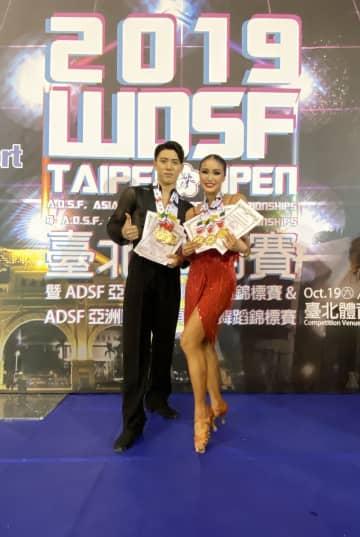 競技ダンスの国際大会「Asian single dance championships 2019」で、出場した3種目全てで優勝した八谷和樹さん