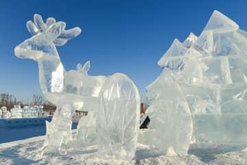 透き通るような氷の彫刻 内モンゴル自治区