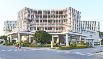 沖縄県立南部医療センター・こども医療センター(資料写真)
