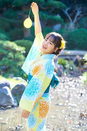 「伊原六花スクールカレンダー2020」(東京ニュース通信社刊)