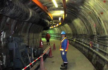 2016年、幌延深地層研究センターの地下350メートルに広がる試験坑道=北海道幌延町