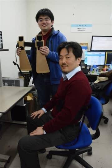 腰痛緩和装具で起業 佐賀大生らが共同開発