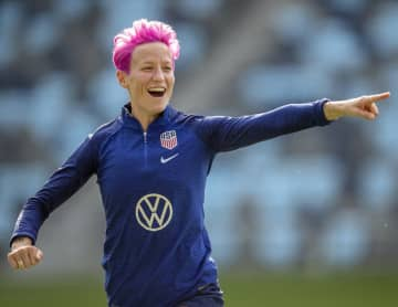 U.S. star midfielder Megan Rapinoe goes through a warmup at Allianz Field with her World Cup teammates in Falcon Heights, Minn. - Elizabeth Flores/Minneapolis Star Tribune/TNS