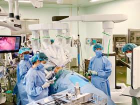 製鉄記念室蘭病院で実施されるダヴィンチ手術。11月には100症例を超えた=製鉄記念室蘭病院提供