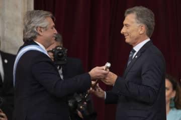 アルゼンチンのフェルナンデス大統領、就任を宣誓