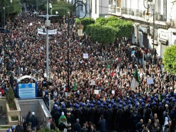 Boycott rallies rock Algeria day before presidential poll