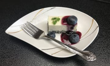 豆腐+南部せんべい=? 答えは「盛岡れあチーズケーキ」 画像