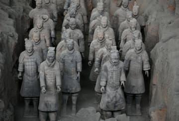 細部まで実に精巧 一体ごとに表情が異なる兵馬俑 陝西省