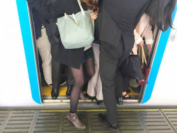 どうあるべき?働き方改革 箕輪厚介「わざわざ満員電車乗って会社でメール返信っていらない。俺は布団の中でスマホでやってる」