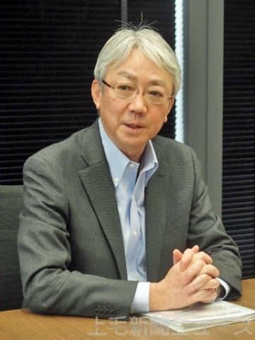 インタビューに答える中村社長