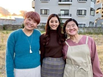 新木優子、「大好きな二人」ガンバレルーヤと3ショット