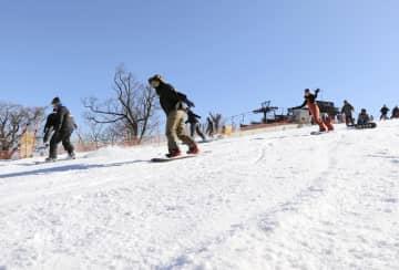 今季の営業を開始した国内最南端のスキー場「五ケ瀬ハイランドスキー場」=13日午前、宮崎県五ケ瀬町