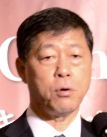 沖縄出店へ意欲を示すプリンスホテルの小山正彦社長=13日、那覇市