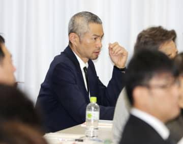 資格回復研修会を受講するイチローさん=15日、東京都内