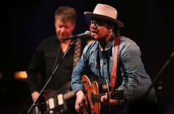 Jeff Tweedy, right, and Nels Cline during a 2017 Wilco performance at the Chicago Theatre. - Chris Sweda/Chicago Tribune/TNS
