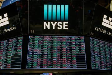 ニューヨーク証券取引所の株価スクリーン(ゲッティ=共同)
