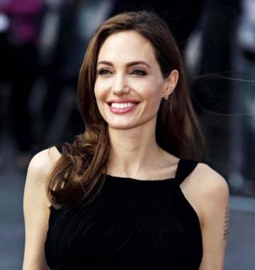 2013年、予防的な乳房切除の手術を公表したアンジェリーナ・ジョリーさん(ゲッティ=共同)