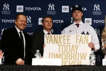 ヤンキースに移籍したゲリット・コール(右)【写真:Getty Images】