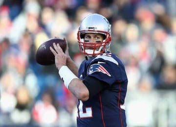 Tom Brady #12 of the New England Patriots