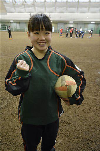 青森山田ラグビー部で唯一の女子部員の秋元さん。チームの花園初勝利を願う