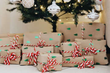 Christmas Eve is not a federal holiday, but it's considered a state holiday in the following states: Kentucky, Michigan, North Carolina, Oklahoma, South Carolina, Texas and Wisconsin. (The Tylt/)