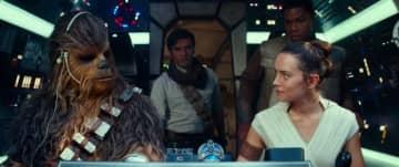 断トツの首位! - 映画『スター・ウォーズ/スカイウォーカーの夜明け』より - (C) 2019 ILM and Lucasfilm Ltd. All Rights Reserved.