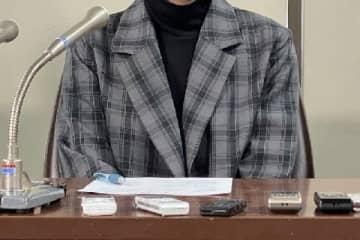 引き出し屋訴訟の判決後に会見する原告女性(2019年12月26日/弁護士ドットコム撮影
