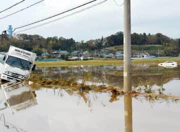 台風21号の影響による記録的な豪雨に見舞われ、県内各地で大きな被害が出た=佐倉市(10月27日撮影)