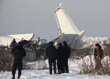 墜落したカザフスタン機(ロイター=共同)