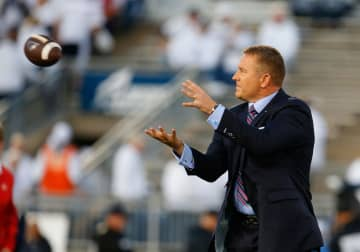 Kirk Herbstreit plays catch before the game between the Penn State Nittany Lions and the Ohio State Buckeyes on September 29, 2018 at Beaver Stadium in State College, Pennsylvania. - Justin K. Aller/Getty Images North America/TNS