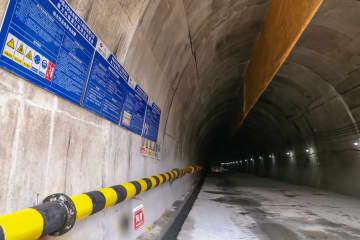 中国ラオス鉄道最長のトンネル、繰り上げ貫通
