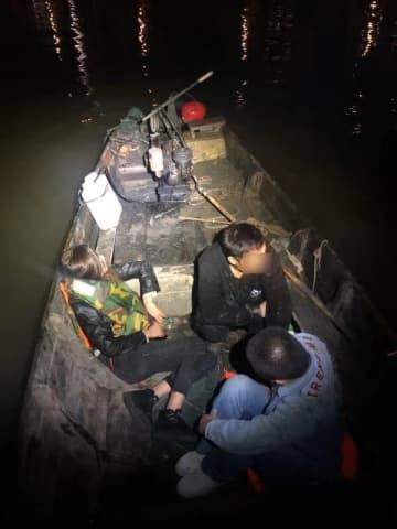 密航者らが乗っていた木造モーターボート(写真:澳門海關)