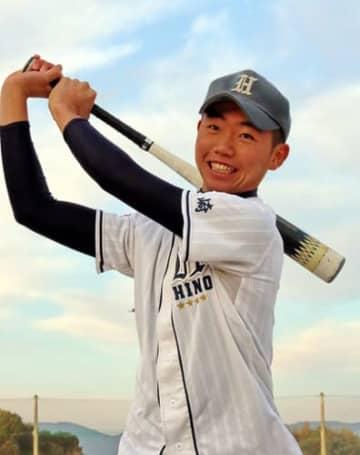「野球も勉強も手を抜かずにやりたい」と話す田栗(日野中)=佐世保市、日野中