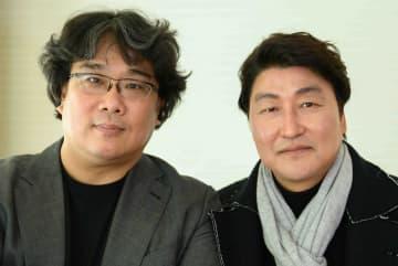 ポン・ジュノ監督(左)ソン・ガンホ(右)