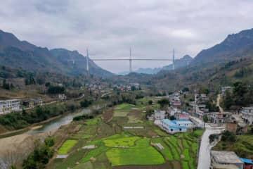 貴州省の平塘特大橋、間もなく開通