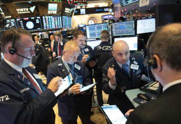 12月31日のニューヨーク証券取引所(AP=共同)