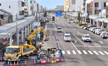 2車線化工事が進む国道8号=福井県敦賀市本町1丁目から撮影