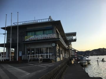 琵琶湖漕艇場の管理棟(大津市)