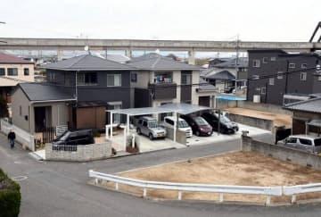 被災時の場所に自宅の再建が相次ぐ倉敷市真備町地区=昨年12月29日