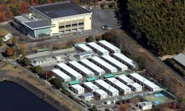 倉敷市真備町地区に並ぶ仮設住宅。岡山県内では今なお2千世帯4970人が仮設暮らしを余儀なくされている