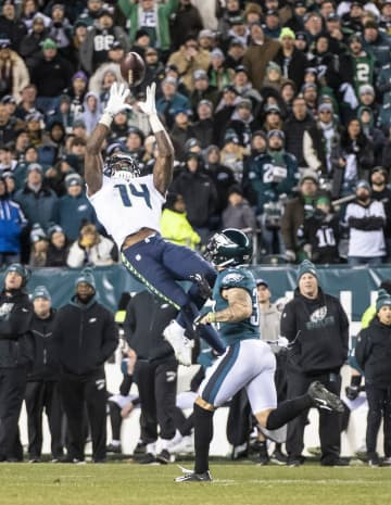 DK Metcalf pulls in a 36-yard pass that effectively seals the Seattle Seahawks' win over the Philadelphia Eagles on Sunday, Jan. 5, 2020 at Lincoln Financial Field in Philadelphia, Pa. - Dean Rutz/Seattle Times/TNS