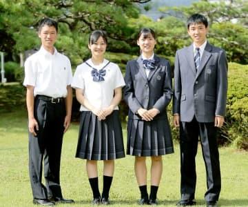 2020年4月に開校する武生商工高校の夏服(左2人)と冬服