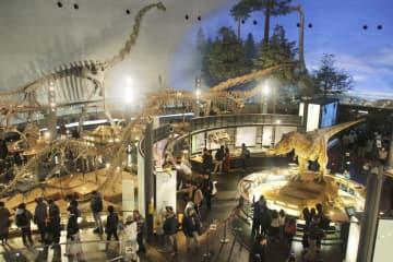 リニューアルされる福井県勝山市の県立恐竜博物館=2019年12月