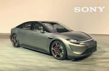 ソニーが試作した電気自動車=6日、米ラスベガス(共同)