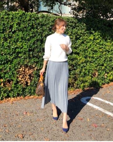 「ミモレ丈のプリーツスカート」できれいめに。30代&40代にちょうどいい、大人のスカートコーデ9選♪