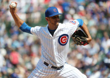 Cubs relief pitcher Steve Cishek delivers against the Braves on June 27, 2019, at Wrigley Field. Cishek reportedly signed with the White Sox on Jan. 7, 2020. - Brian Cassella / Chicago Tribune/Chicago Tribune/TNS