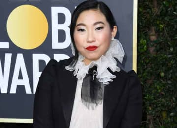 Awkwafina Makes Golden Globes History As First Person Of Asian Descent To Win Best Actress In A Comedic Film