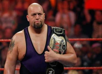 Big Show and Braun Strowman break ring on WWE's Monday Night Raw