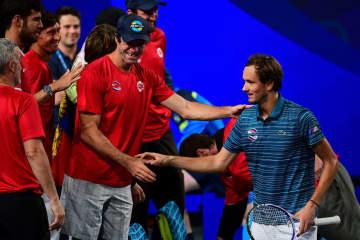 「ATPカップ」でのメドベージェフ(右)