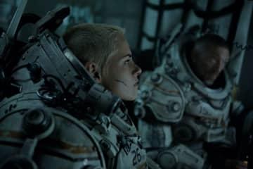 """Kristen Stewart and Vincent Cassel in """"Underwater."""" - 20th Century Fox/TNS/TNS"""